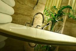 Ванная комната. Черногория, Бечичи : Полулюкс