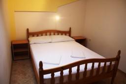 Черногория, Мельине : Апартамент для 5 человек с отдельной спальней, с большим балконом и шикарным видом
