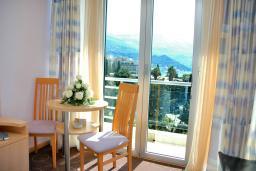 Спальня. Черногория, Бечичи : Стандартный номер