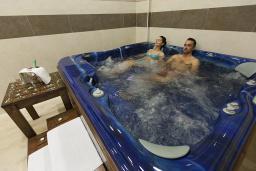 Развлечения и отдых на вилле. Mediteran Wellness & Spa 4* в Бечичи