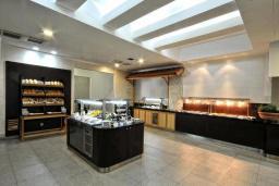 Кафе-ресторан. Sentido Tara 4* в Бечичи