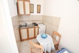 Кухня. Черногория, Мельине : Студия для 2-3 человек, с террасой