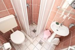 Ванная комната. Черногория, Мельине : Студия для 2-3 человек, с террасой