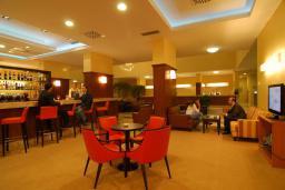 Кафе-ресторан. Princess Beach & Conference Resort 4* в Баре