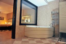 Ванная комната. Черногория, Пераст : A2 Luxury Suite