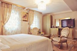 Спальня. Черногория, Пераст : A6 Junior Suite - Garden View 2