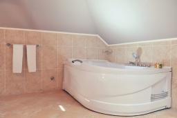 Ванная комната. Черногория, Пераст : A8 Presidental Suite