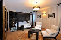 Спальня. Черногория, Пераст : B1 Junior Suite
