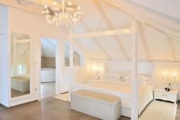 Спальня. Черногория, Пераст : B3 Honeymoon Suite