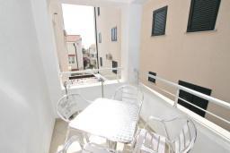 Балкон. Черногория, Петровац : Апартамент с отдельной спальней с видом на море