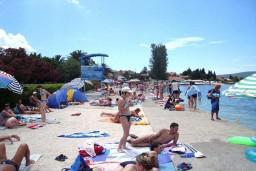 Пляж Камелия / Kamelija Plaza hotela в Доня Ластве