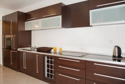 Kitchen. Montenegro, Baosici : Apartment with 5 bedrooms in Baosici