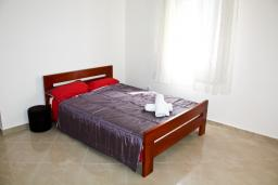 Bed room. Montenegro, Baosici : Apartment with 5 bedrooms in Baosici