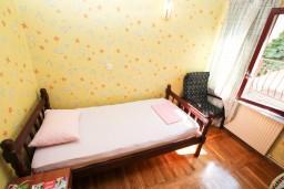 Спальня 2. Черногория, Герцег-Нови : Большой апартамент на 10 человек, с пятью спальнями и огромной террасой с потрясающим видом на море