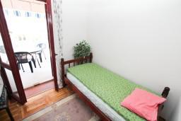 Спальня 4. Черногория, Герцег-Нови : Большой апартамент на 10 человек, с пятью спальнями и огромной террасой с потрясающим видом на море