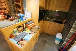 Кухня. Черногория, Колашин : Современный дом для 10-15 человек, 6 спален, Колашин, Черногория.