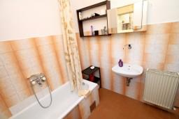 Ванная комната. Черногория, Колашин : Апартамент для 9-х человек, 3 спальни, Колашин, Черногория.