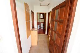 Коридор. Черногория, Колашин : Уютный дом с 2-мя отдельными спальнями и террасой в Колашине.