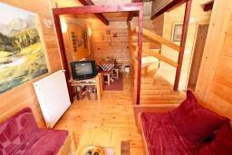 Гостиная. Черногория, Колашин : Деревянный дом в Колашине с 2-мя отдельными спальнями