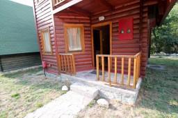 Фасад дома. Черногория, Колашин : Уютный домик с 2 спальнями в Колашине рядом с горнолыжным центром