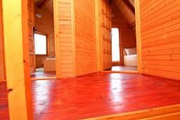 Коридор. Черногория, Колашин : Уютный домик с 2 спальнями в Колашине рядом с горнолыжным центром