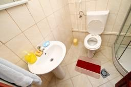 Ванная комната. Черногория, Колашин : Уютный домик с 2 спальнями в Колашине рядом с горнолыжным центром