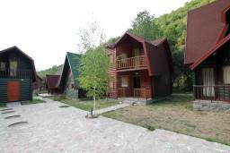Территория. Черногория, Колашин : Уютный домик с 2 спальнями в Колашине рядом с горнолыжным центром