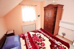 Спальня. Черногория, Жабляк : Уютный дом с отдельной спальней, Жабляк, Черногория.