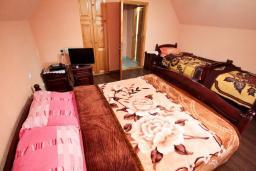 Спальня. Черногория, Жабляк : Уютный дом с отдельной спальней на Жабляке