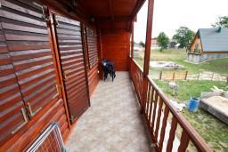 Балкон. Черногория, Жабляк : Уютный 2-х этажный деревянный дом,2 отдельных спальни