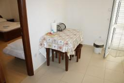 Studio (living room & kitchen). Montenegro, Baosici : Apartment with 1 bedroom in Baosici