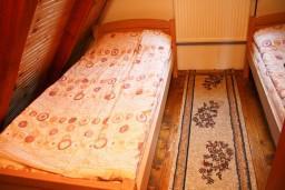 Спальня. Черногория, Жабляк : Бунгало с двумя отдельными спальнями на Жабляке.