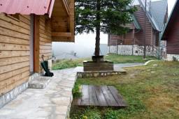 Территория. Черногория, Жабляк : Бунгало с двумя отдельными спальнями на Жабляке.
