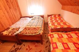 Спальня. Черногория, Жабляк : Большой апартамент для 10-14 человек, 5 отдельных спален, Жабляк, Черногория.