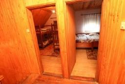 Коридор. Черногория, Жабляк : Большой апартамент для 10-14 человек, 5 отдельных спален, Жабляк, Черногория.