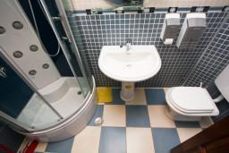 Ванная комната. Черногория, Жабляк : Апартамент 2 спальни в Жабляке рядом с горнолыжным спуском