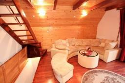 Гостиная. Черногория, Жабляк : Апартамент для 6 человек, 2 отдельные спальни, Жабляк, Черногория.