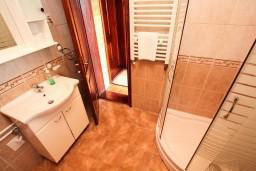 Ванная комната. Черногория, Жабляк : Апартамент для 6 человек, 2 отдельные спальни, Жабляк, Черногория.
