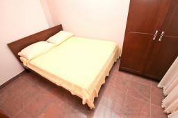 Спальня. Апартамент для 4 человек, с отдельной спальней, с террасой, 100 метров до пляжа в Игало