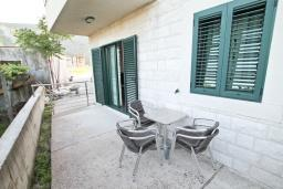 Терраса. Апартамент для 4 человек, с отдельной спальней, с террасой, 100 метров до пляжа в Игало