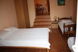 Студия (гостиная+кухня). Черногория, Обала Джурашевича : Студия с большой террасой и видом на море