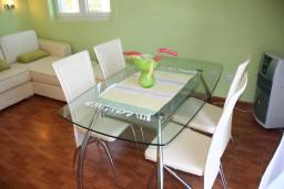Студия (гостиная+кухня). Черногория, Крашичи : Духместная студия с террасой и видом на море