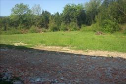 Земельный участок в Герцег-Нови – Зеленика, площадью 2000м2. Имеется разрешение на строительство жилого объекта минимальной площади 300м2. Коэффициент застройки 0,8. в Зеленике