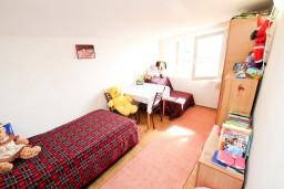 Спальня 2. Черногория, Петровац : Апартамент для 4-5 человек, 2 отдельные спальни, с видом на море