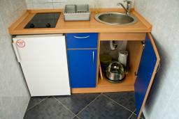Kitchen. Montenegro, Buljarica : House with 2 bedrooms in Buljarica for 7 guests