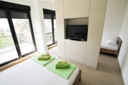 Студия (гостиная+кухня). Черногория, Петровац : Современная студия в Петроваце в 200 метрах от моря