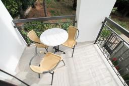 Балкон. Черногория, Петровац : Современная студия в 200 метрах от моря