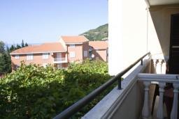 Вид. Черногория, Петровац : Комната для 2 человек, с балконом с видом на море