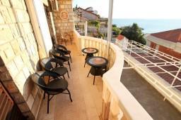 Черногория, Святой Стефан : Комната для 2 человек, с балконом с шикарным видом на море