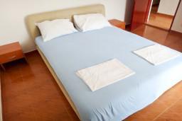 Спальня. Черногория, Приевор : 2-х этажная вилла, 5 спален, кухня и ванная комната на каждом этаже, просторная гостиная, большая терраса